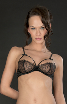 Maison Close naked bra Villa Satine